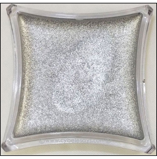 Illamasqua-Liquid-Metal-Close-Up