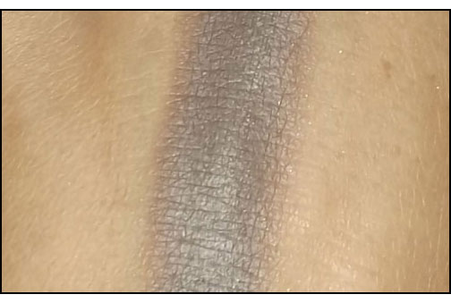 Maybelline-Color-Tattoo-24hr-Eyeshadow-in-Tough-as-Taupe-swatch