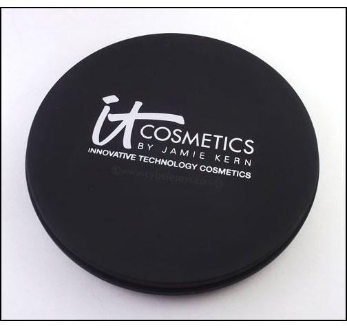 IT-Cosmetics-Live-Love-Laugh-Vitality-Face-Disc-closed