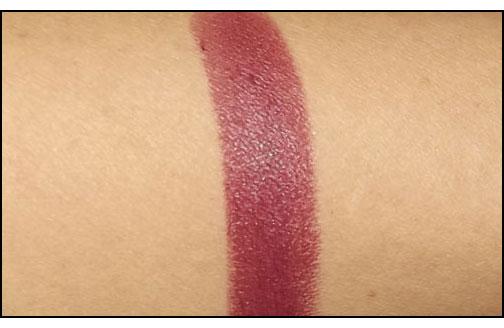 Chanel-Rouge-Allure-Velvet-in-L'Impatiente-swatch