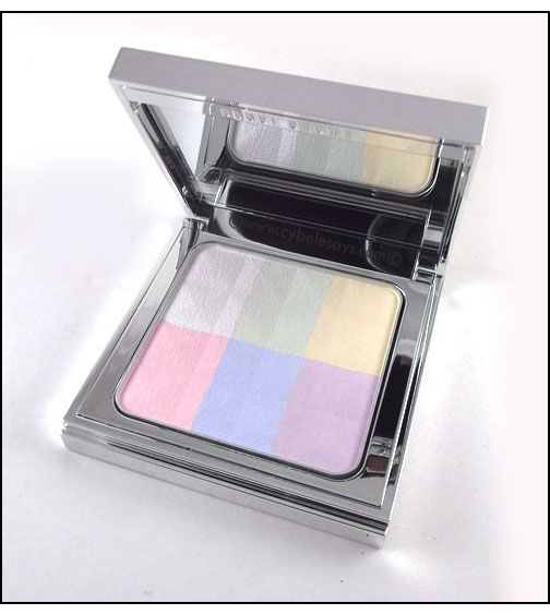 Bobbi-Brown-Brightening-Finishing-Powder---Porcelain-Pearl-opened-up