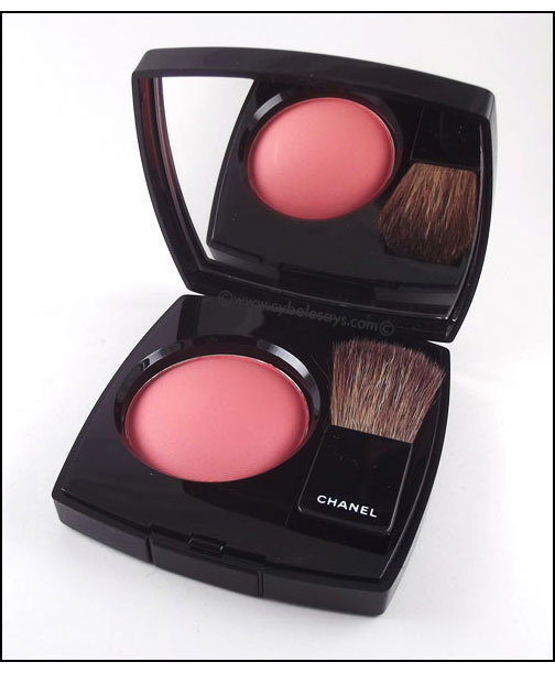 Chanel-Powder-Blush-in-Frivole-main