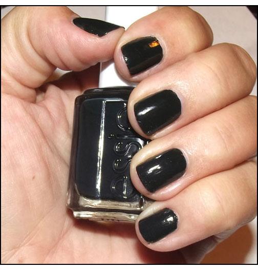 Essie-Nail-Polish-in-Stylenomics