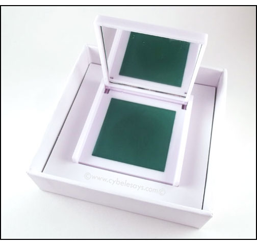 Sephora+Panton-Color-Code-Prismatic-Shadow-Block-in-Emerald-in-box