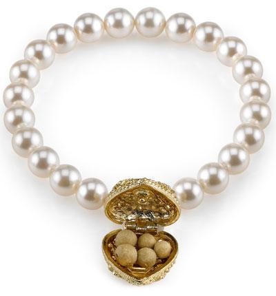 Lisa-Hoffman-Beauty-pearl-open
