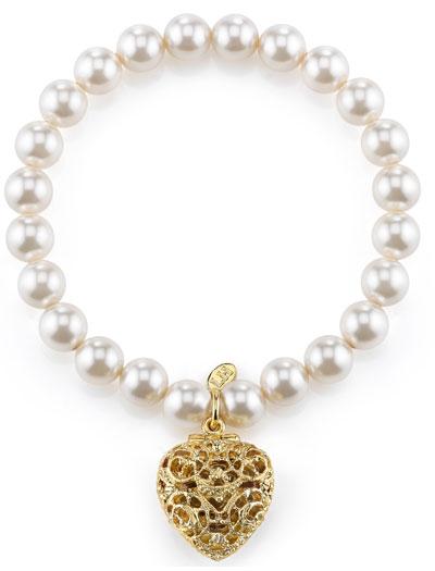 Lisa-Hoffman-Beauty-pearl-closed