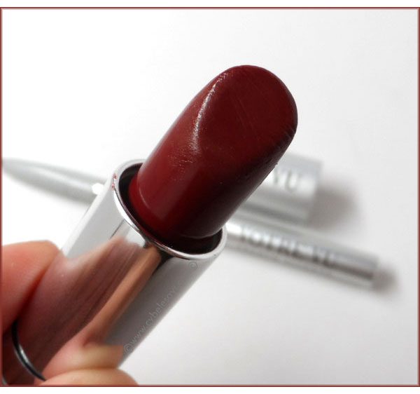 Votre-Vu-French-Accents-French-Kiss-Moisture-Rich-Lipstick-in-Margaux-up-close