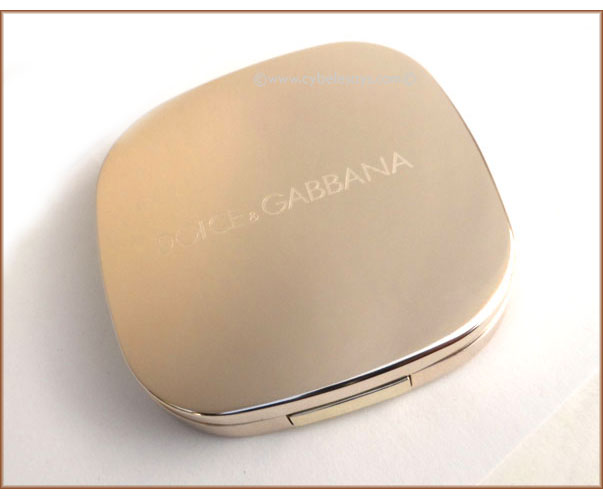 Dolce-&-Gabbana-The-Eyeshadow-Colour-Quad-in-Desert-compact-top