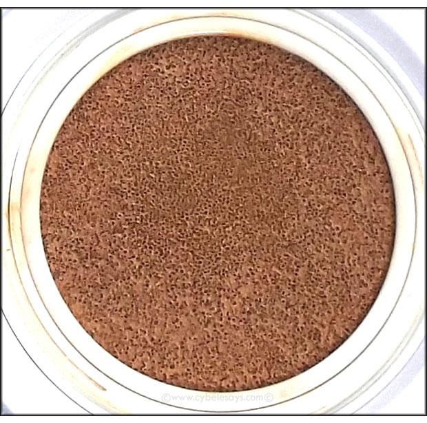 IT-Cosmetics-CC+-Veil-Beauty-Fluid-Foundation-sponge