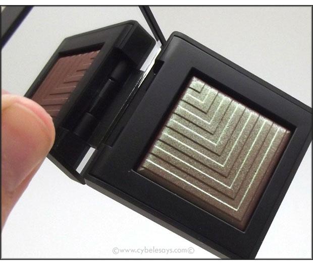 NARS-Dual-Intensity-Eyeshadow-in-Pasiphae-up-close-2