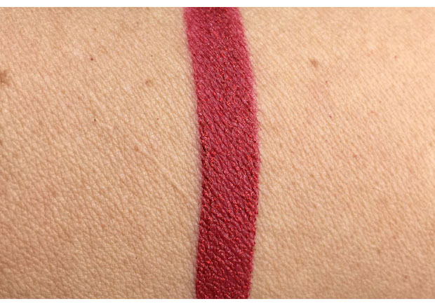 Cailyn-Star-Wave-Glitter-Tint-in-Scorpio-swatch