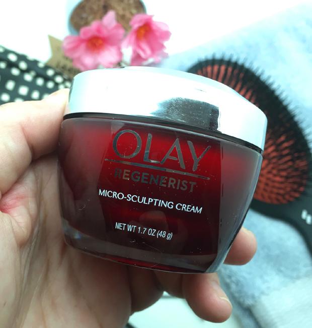 Olay-Regenerist-Micro-Sculpting-Cream-in-hand