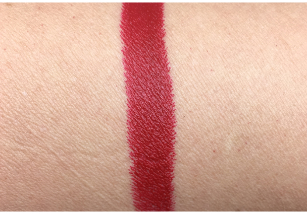 Pat-McGrath-Labs-LuxeTrance-Lipstick-in-Major-Red-swatch
