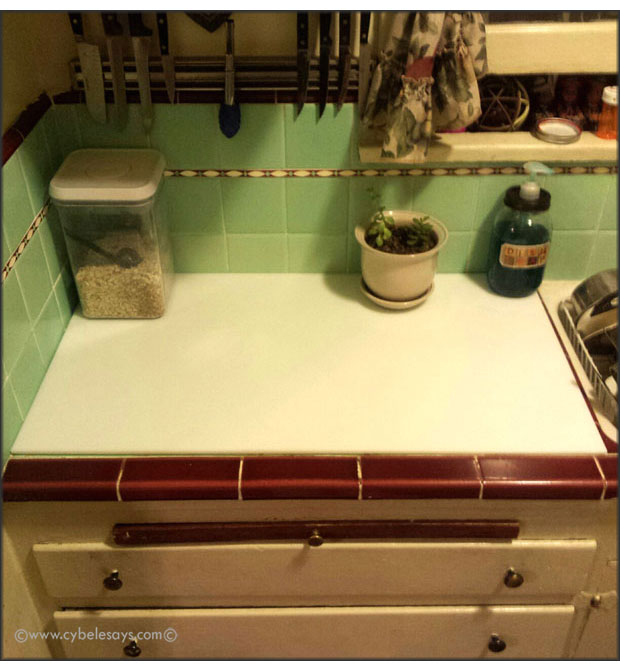 Kitchen-with-custom-cutting-board