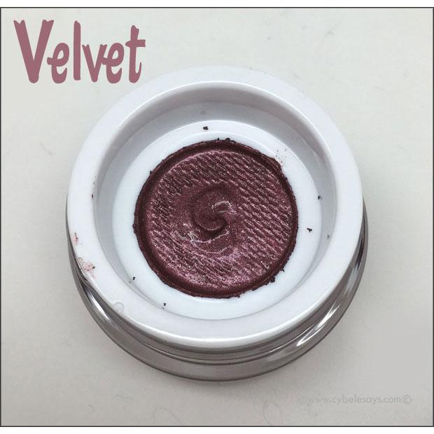 PUR-Eye-Polish-in-Velvet-up-close