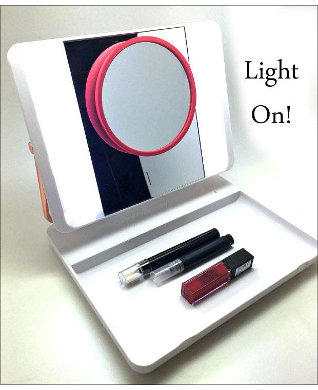 J.O.I.-Spotlite-HD-Professional-with-light-on
