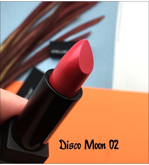 Stellar-Metallic-Moon-Lipstick-in-Disco-Moon-02-up-close