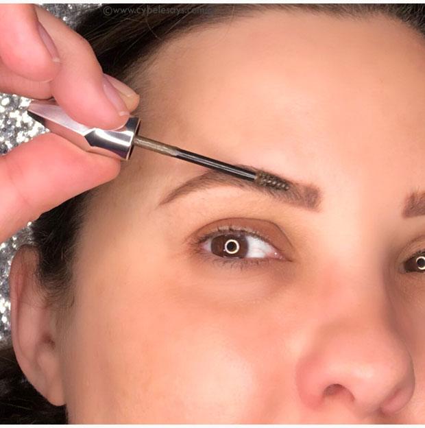 b310dcf036a Applying-Beneift-Cosmetics-Gimme-Brow-+-Volumizing-Fiber-