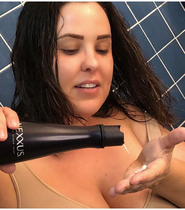 Using-NEXXUS-Keraphix-Shampoo-&-Conditioner-in-bathroom