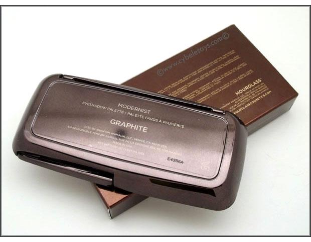 Hourglass-Cosmetics-Modernist-Eyeshadow-Palette-in-Graphite-bottom