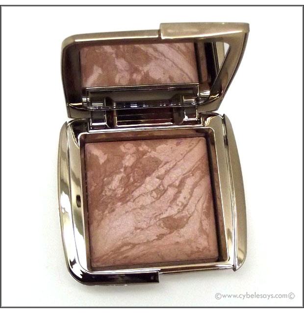 Hourglass-Ambient-Lighting-Bronzer-compact-bottom