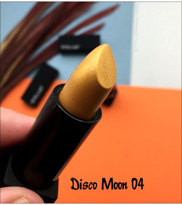 Stellar-Metallic-Moon-Lipstick-in-Disco-Moon-04-up-close