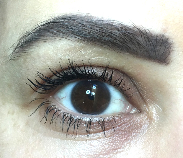 L'Oreal-Voluminous-Lash-Paradise-Mascara-in-Mystic-Black
