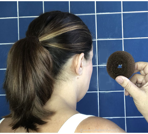 Suave-Green-hair-bun-tutorial-with-donut