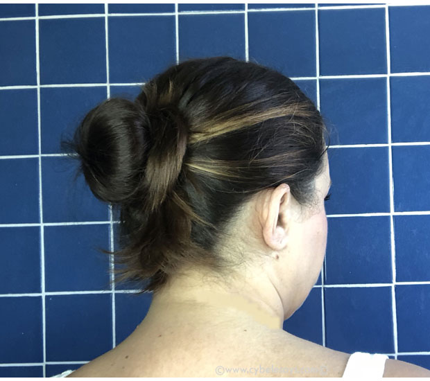 Final-look-of-hair-bun-using-Suave-Green-hair-products