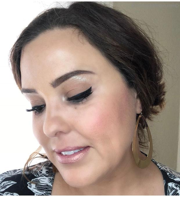Wearing-Buxom-SexySmoky-Kajal-PowderLiner-Eyeliner-in-Sultry-Black-2