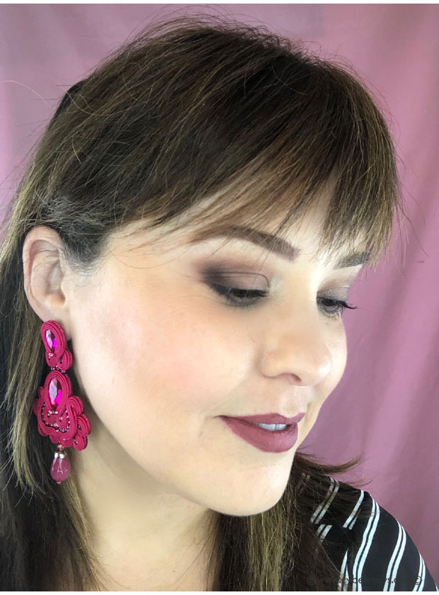 Makeup-look-with-Pixi-Beauty-Eye-Reflection-Shadow-Palette-from-the-side