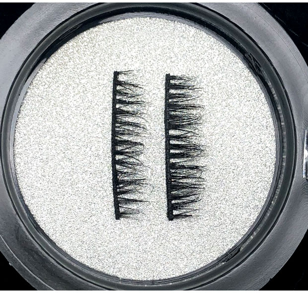 MoxieLash-Magnetic-lashes-up-close