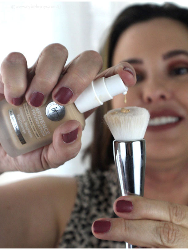 Pumping-out-It-Cosmetics-Confidence-in-a-Foundation