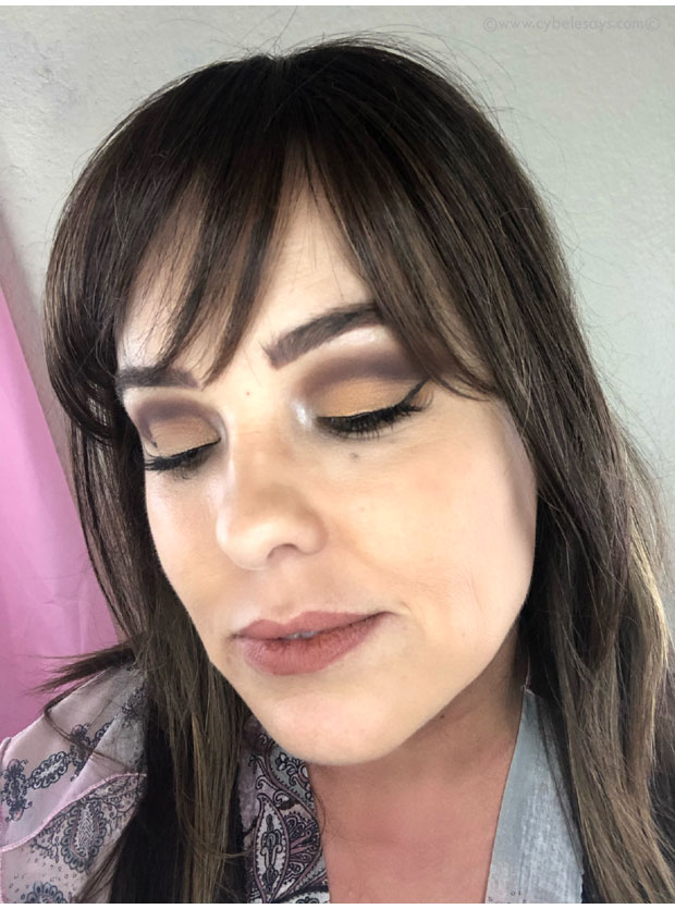Urban-Decay-Naked-Honey-look-side