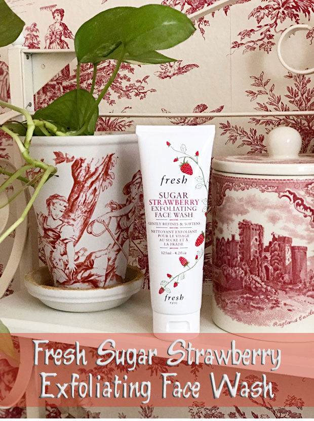 Fresh-Sugar-Strawberry-Exfoliating-Face-Wash